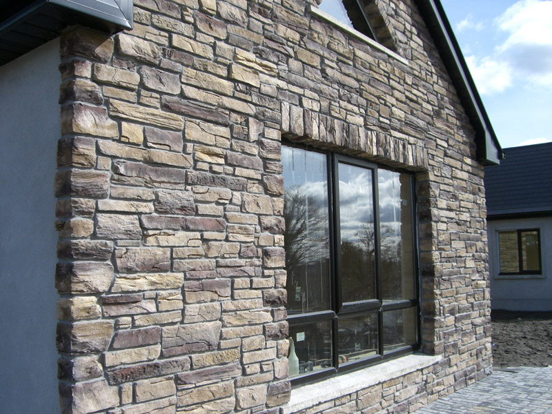 Beautiful Home With Cultured Stone